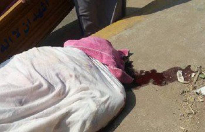 أمن الجيزة يعثر على جثة سيدة مجهولة الهوية مذبوحة وملقاة فى ترعة بالعياط