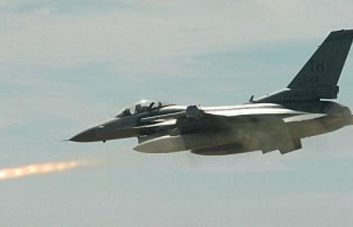 طائرات التحالف العربى تقصف معسكرات للحرس الجمهورى شمال صنعاء