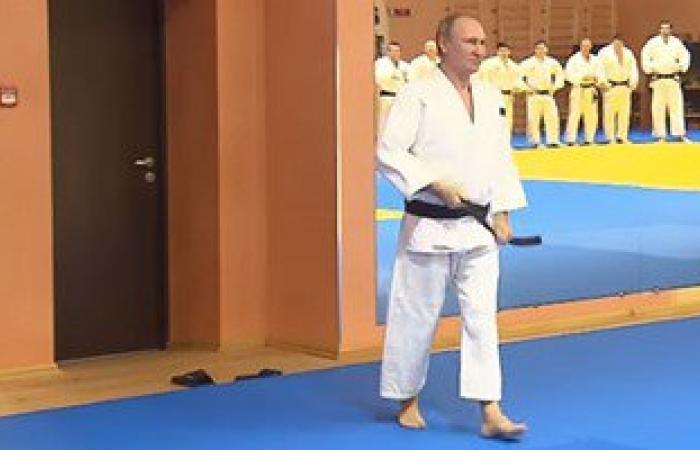 """بالفيديو.. """"بوتين"""" يشارك فى تدريبات المنتخب الروسى لـ""""الجودو"""""""