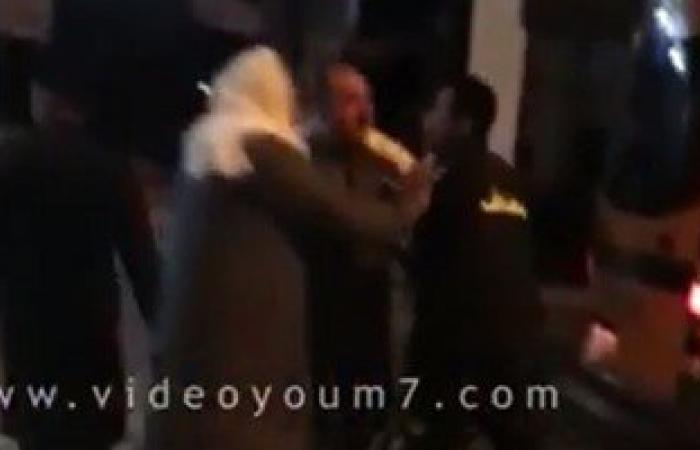 بالفيديو.. مسعف يعتدى بشومة على طبيب بمستشفى بلبيس العام