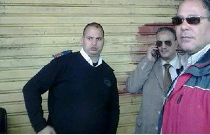 إغلاق 5 محلات بدون ترخيص بحى الجمرك بالإسكندرية