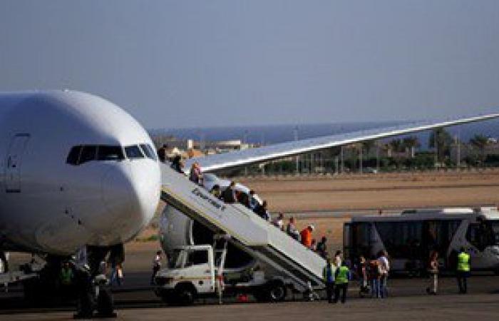 مطار شرم الشيخ  يستقبل 1114 سائحا على متن 8 رحلات دولية