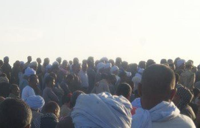 بالصور.. أهالى الغنيمية بإدفو يشيعون جثمان الملازم أول أحمد عبد الله