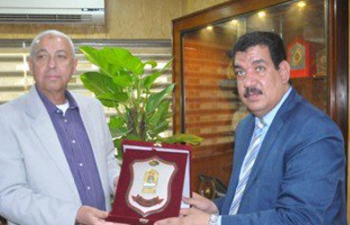 رئيس الهيئة العامة لمحو الأمية: 20% من المصريين أميين وثلثيهم من الإناث