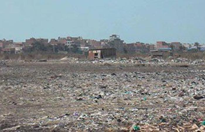 أهالى قرية السيالة بدمياط يتضررون من مقلب عمومى لتجميع القمامة