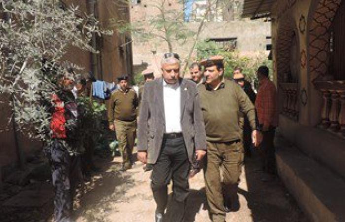 مدير أمن الغربية يتفقد خدمات تأمين محكمة كفر الزيات ويستمع لمساجين المركز