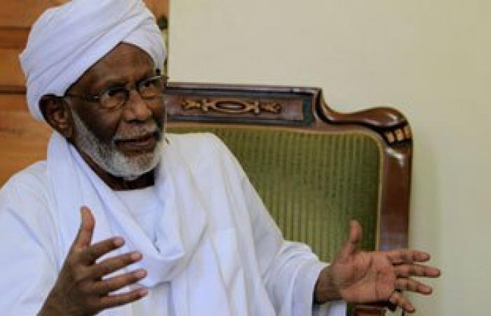تعرف على علاقة حسن الترابي بنظام الرئيس السودانى عمر البشير