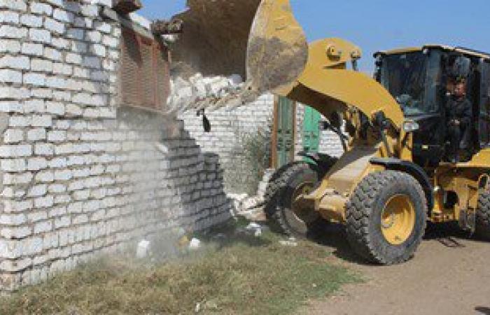 إزالة حالات تعدٍ على الأرض الزراعية بمدينة السرو بدمياط