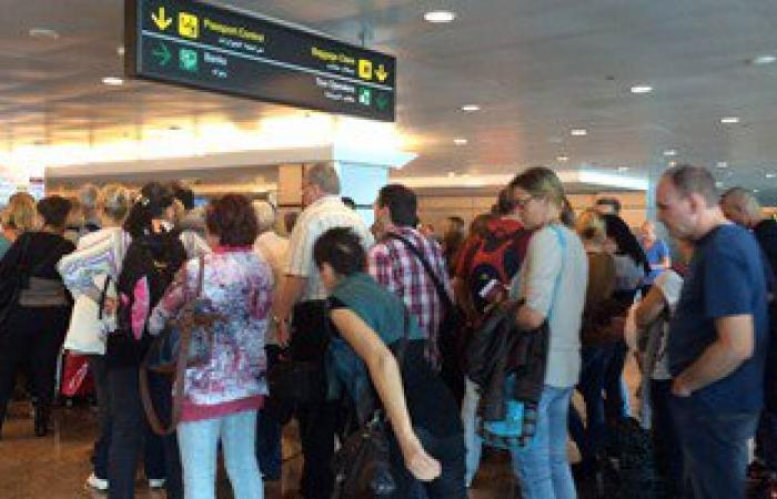 وصول 1279 سائحا على متن 11 رحلة دولية عبر مطار شرم الشيخ