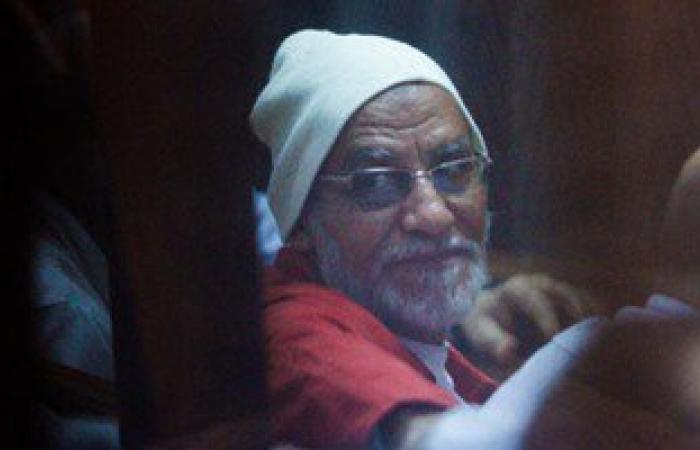 """بدء محاكمة """"بديع"""" و104 آخرين فى أحداث عنف الإسماعيلية"""