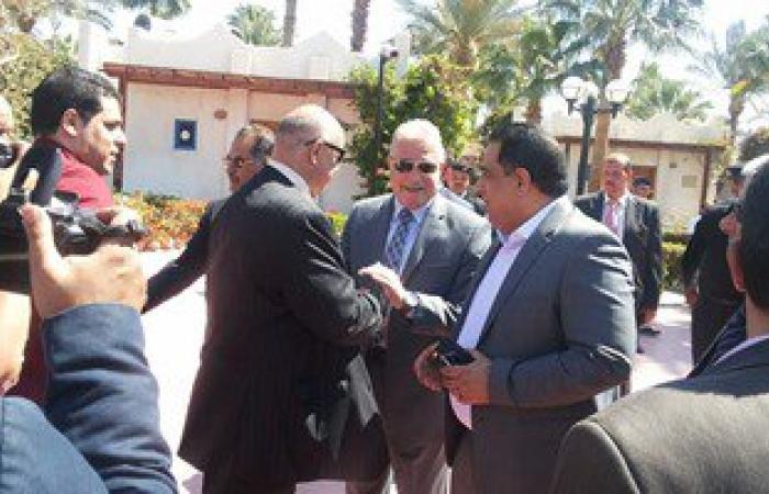 وصول الوفد البرلمانى لمطار شرم الشيخ لتفقد مدن خليج العقبة والسويس