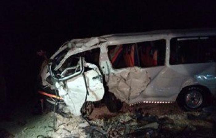 إصابة 9 فى حادث تصادم سيارتين بطريق قرية الوشوش بقنا