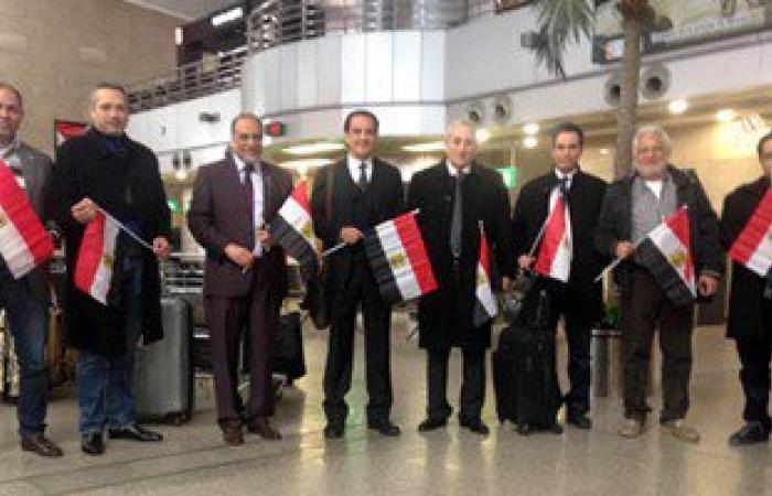 بالصور.. الوفد الشعبى يغادر القاهرة فى زيارة لروسيا لدعم السياحة المصرية