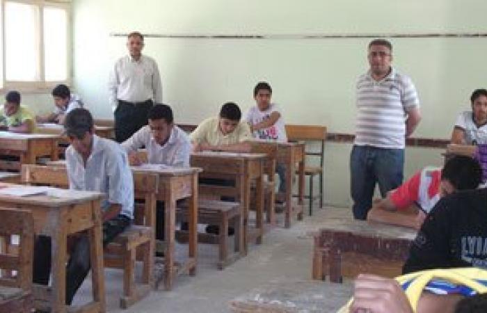 """""""تعليم كفر الشيخ"""" تحقق مع رئيسى لجنتين وملاحظين لعدم الانضباط بالامتحانات"""