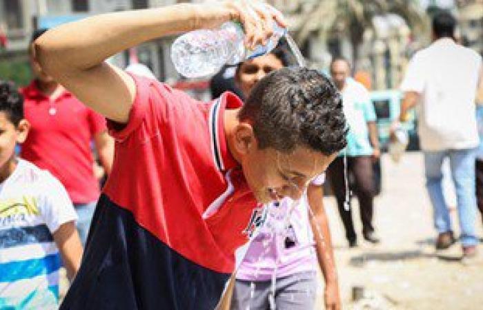 """10 نصائح """"غير تقليدية"""" لمواجهة الحر.. أبرزها """"الطريقة المصرية"""""""