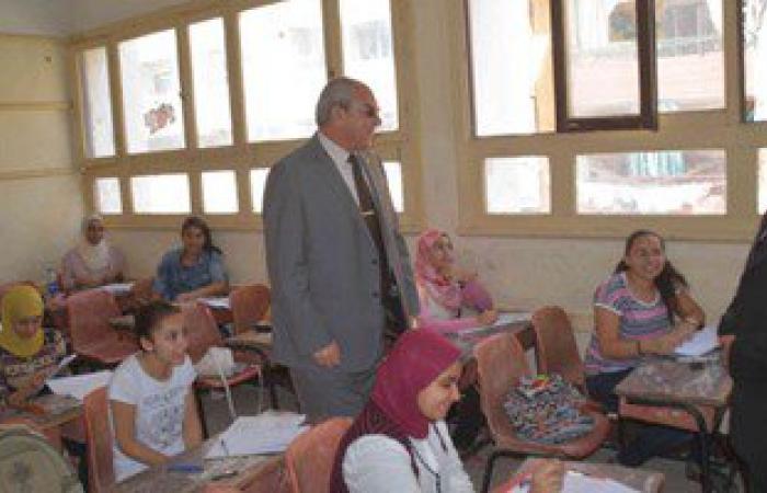 بالصور.. محافظ المنيا يتفقد لجان الإعدادية ويوجه بالعمل على راحة الطلاب