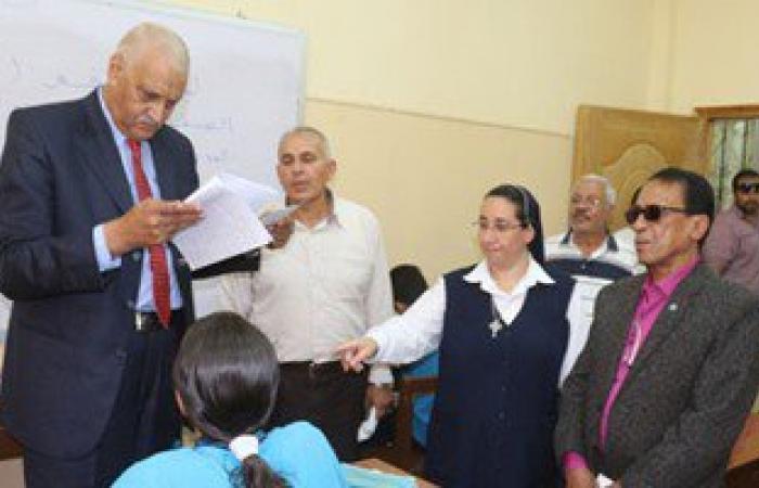 محافظ السويس يأمر بنقل طالبة مريضة للمستشفى وعمل لجنة امتحان خاصة لها
