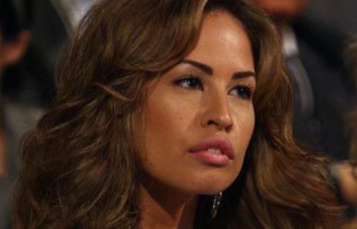 خديجة الجمال زوجة جمال مبارك تصل القاهرة قادمة من باريس