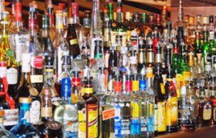 ضبط عاطلين بحوزتهما 240 زجاجة كحول فى القليوبية