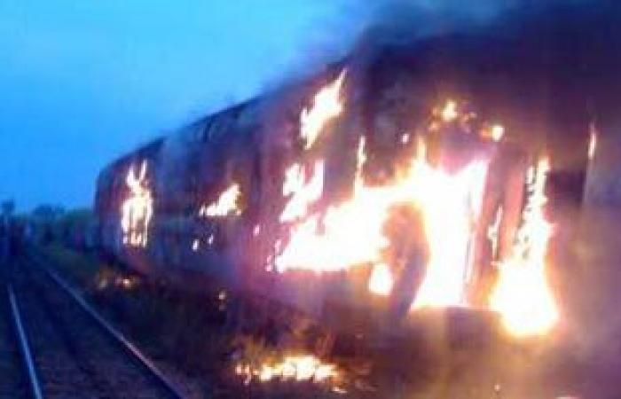 السيطرة على حريق فى جرار قطار بالمنيا