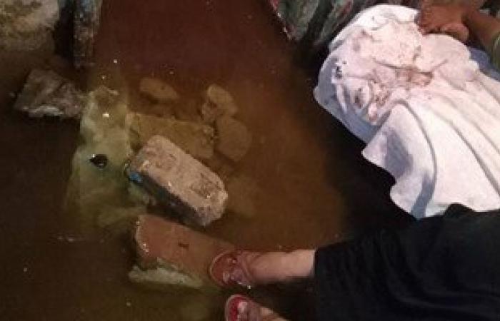 بالصور.. غرق أسرة فى مياه الصرف الصحى بالسويس
