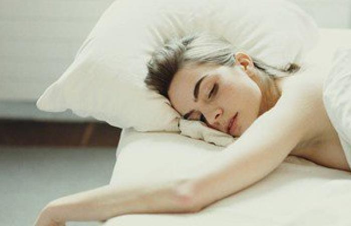 فوائد صحية رائعة لنوم القيلولة..أهمها تحسين الذاكرة وتجديد النشاط
