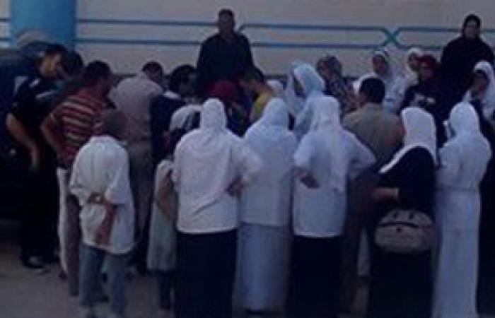 تظاهر هيئات التمريض بمستشفيات جامعة الإسكندرية لعدم صرف مكافأة الامتحانات