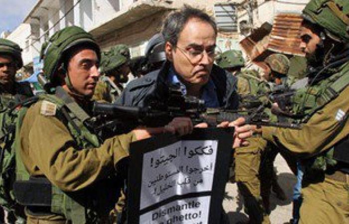 الاحتلال الإسرائيلى يشن حملة مداهمات للمنازل فى الضفة الغربية والقدس