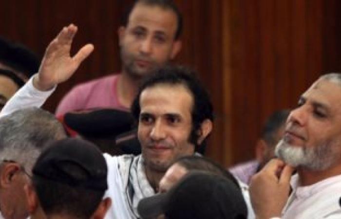 خروج حمدى قشطة وجار إخلاء سبيل هيثم محمدين من مركز شرطة الصف