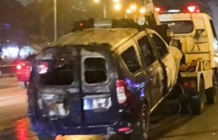 مصدر: حريق سيارة الشرطة بالمهندسين ناتج عن ماس كهربى وتمت السيطرة عليه