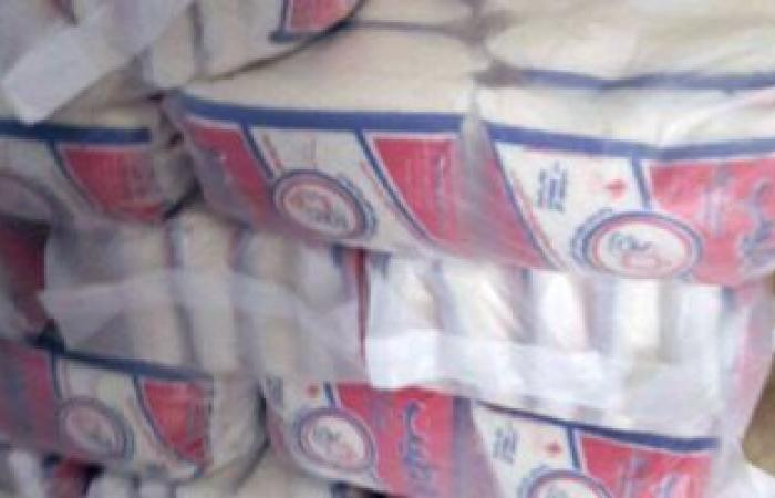مصادرة 3.5 طن سكر مدعم بحوزة تاجرين قبل بيعها بالسوق السوداء في أسيوط