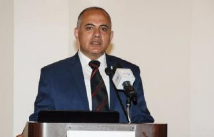 وزير الري يدعو لإعادة هيكلة العاملين بمديرية رى القليوبية بتقليل الإداريين
