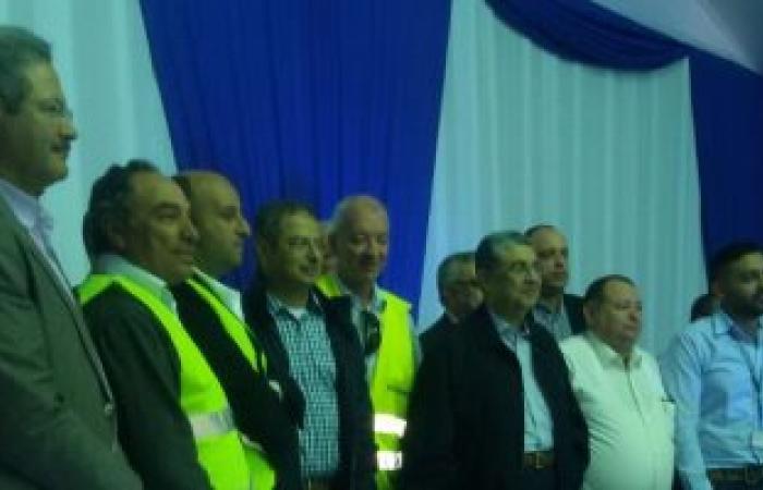 بالصور.. وزير الكهرباء يشيد بأداء العاملين بمحطة البرلس