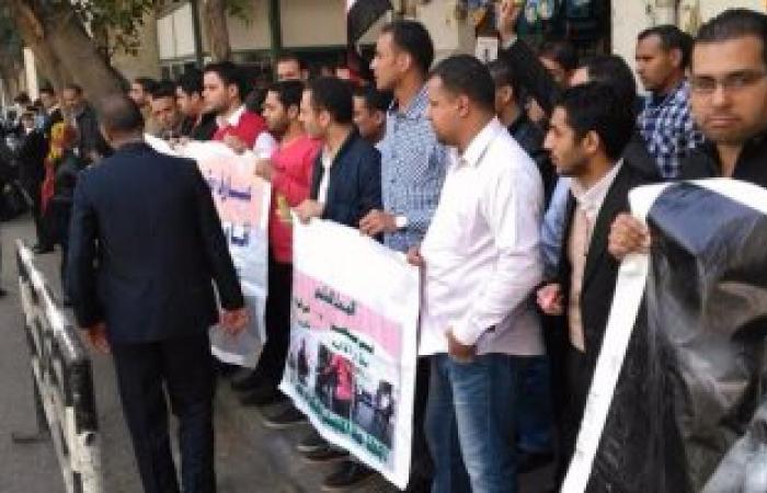 حاملى الماجستير يعاودون التظاهر أمام مجلس الوزراء للمطالبة بالتعيين