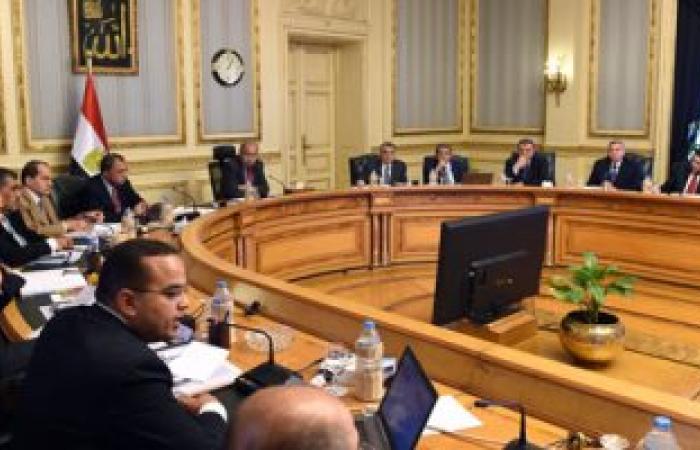 اليوم.. رئيس الوزراء يجتمع بالمجموعة الاقتصادية لمناقشة قانون الاستثمار الجديد