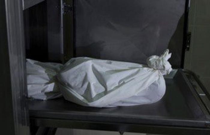 نيابة شرق القاهرة تعاين جثة الصيدلى المقتول داخل صيدليته بالسلام