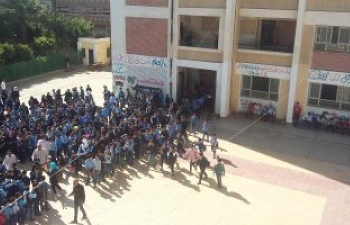 مدير مدرسة بالغربية يمنع تلاميذ من دخول الامتحان لعدم سداد المصروفات