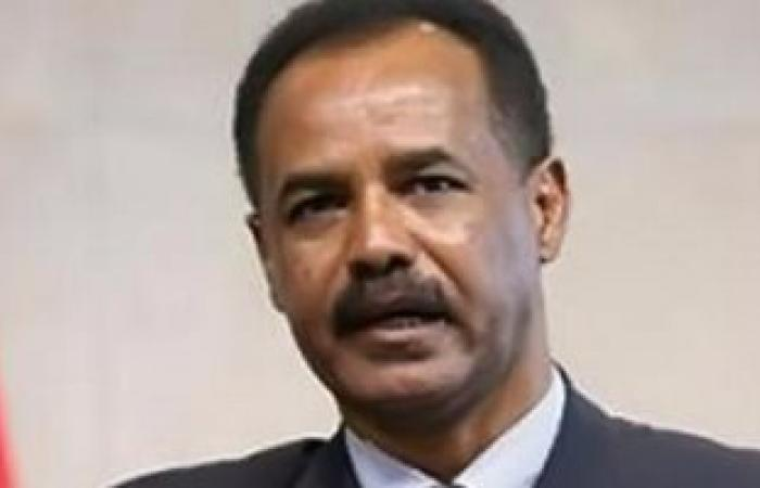 رئيس إريتريا يصل القاهرة للقاء السيسي