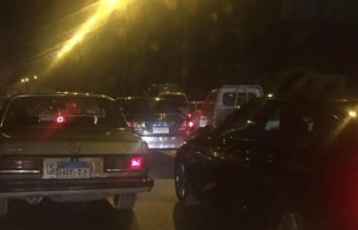 شلل مرورى بطريق مصر إسكندرية الزراعى إثر انقلاب سيارة نقل بالقليوبية