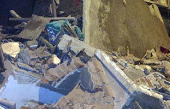 مساعد مدير أمن الغربية ينتقل لموقع انهيار منزل المحلة.. وتواصل جهود الإنقاذ