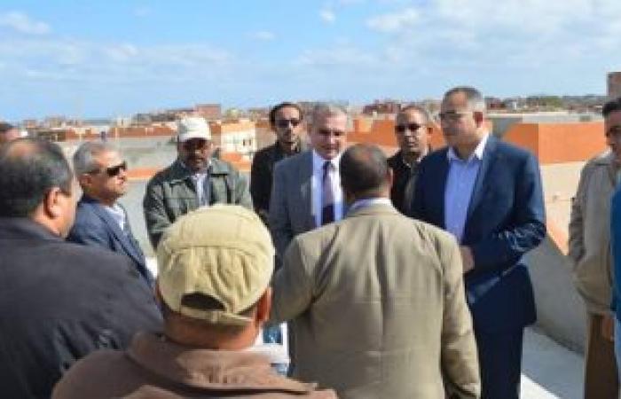 نائب وزير الإسكان يستكمل جولته بمشروعات تطوير العشوائيات برأس غارب