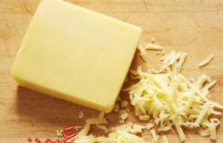 كارثة.. الجبنة الشيدر تصيبك بهذا المرض