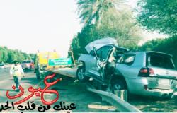 اصطدام سيارة يقودها شاب بالحواجز باتجاه شارع ابو ظبي