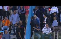 إنفعال مرتضى منصور داخل المدرجات أثناء مباراة الزمالك والمقاولون العرب