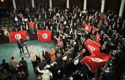 """""""النداء"""" في مواجهة """"النهضة""""... واتحاد الشغل ينضم لخريطة التحالفات في تونس"""
