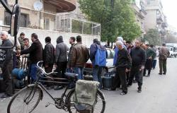 """خميس يفتح """"صندوق الحكومة السورية"""" ورسائل إلى المواطن الذي صمد في الحرب"""