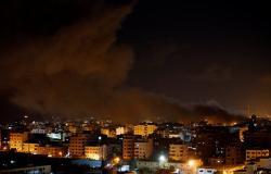 إسرائيل تقتل عضوا بحماس وتؤجل مساعدات قطرية بعد تصعيد في غزة