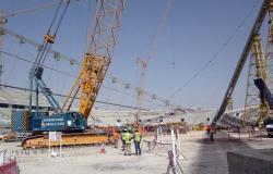 قطر تعترف بوجود أخطاء في حق عمال إنشاءات كأس العالم 2022
