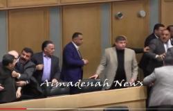 بالفيديو : شاهدوا مشاجرة الفناطسة ومحمد هديب