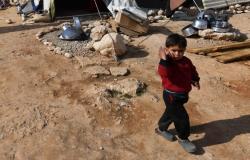 بالفيديو والصور... حريق في مخيم للنازحين السوريين في تعنايل